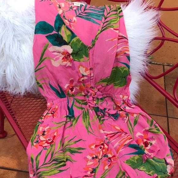 2f4456ae226 Billabong Pants - Billabong Button up Floral Romper L
